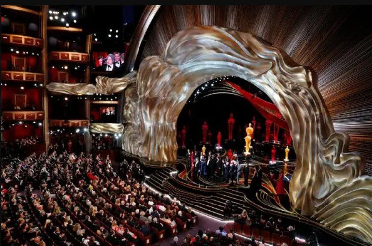 Who is Hosting Oscars 2020